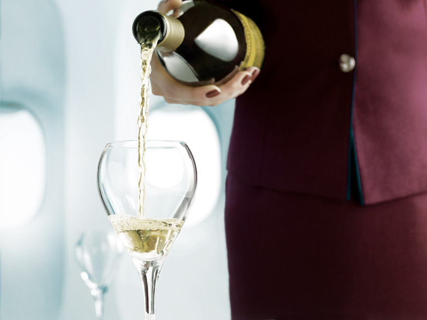 Qatar Airways mit neuem Champagner-Angebot in der Economy Class