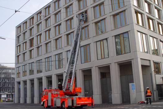 Brandschutzübung im Hotel: Der neue Lehrfilm von HOTELIER TV bietet eine schnelle Schulung für alle Hotelmitarbeiter in Sachen Feuerverhütung