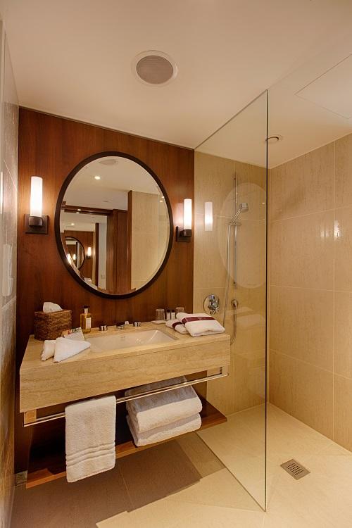 Ameron Hotel Speicherstadt Hamburg - Badezimmer - HOTTELLING by ...