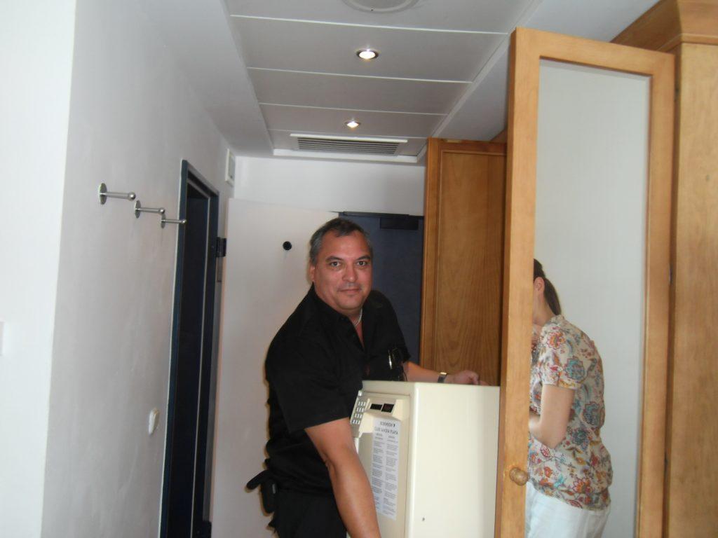 Hotel-Sicherheitsexperte Ulrich Jander: Tresorklau im Hotel wird viel zu leicht gemacht