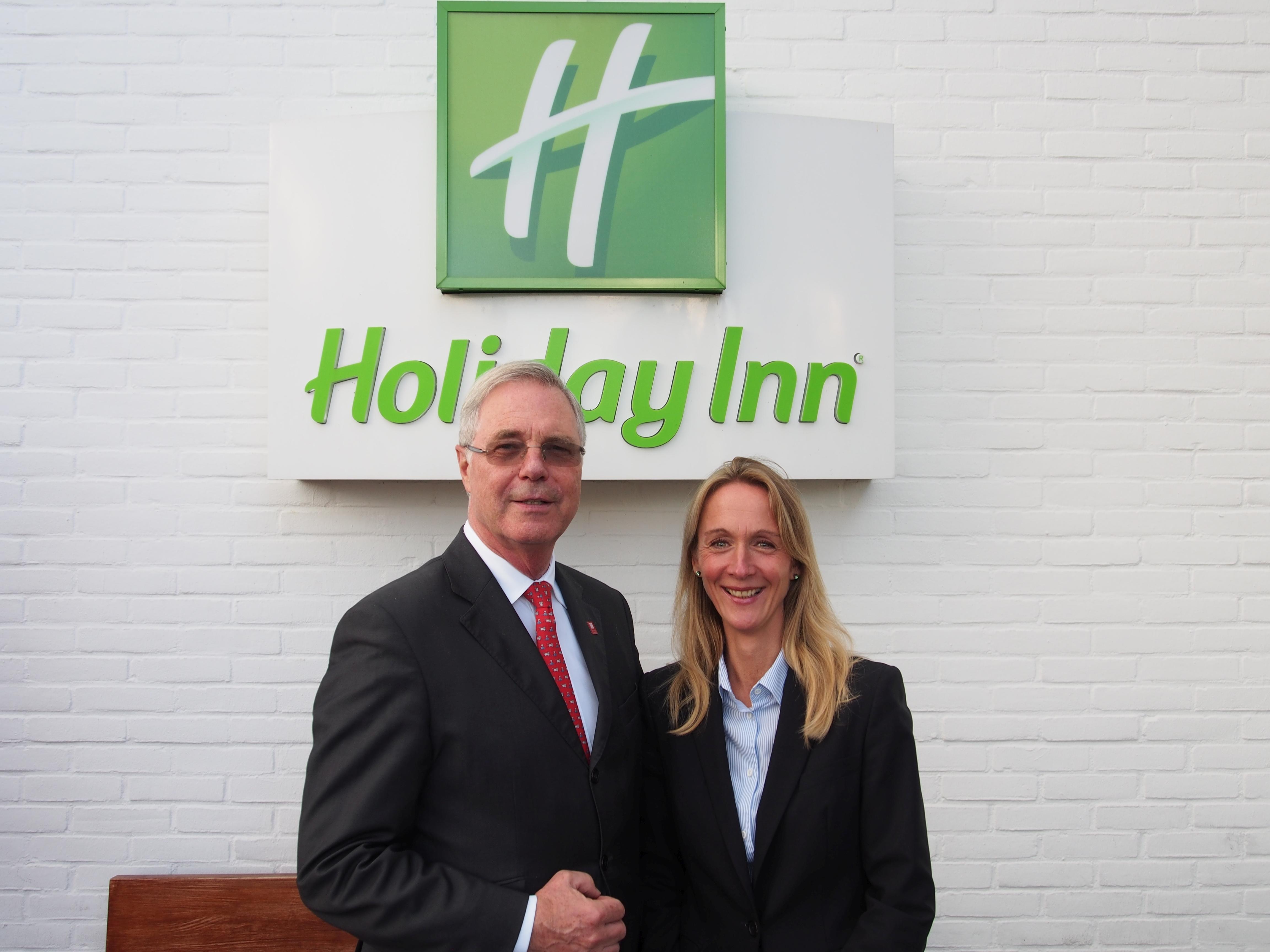 meike henrike kessel leitet das holiday inn hotel d sseldorf airport ratingen hottelling by. Black Bedroom Furniture Sets. Home Design Ideas