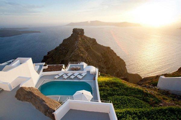 Immer mehr Touristen bescheren den Luxus-Resorts in Griechenland steigende Gästezahlen (Foto: Grace Hotel Santorin)