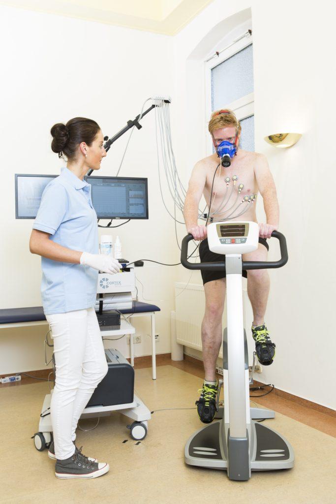 Leistungstest für Führungskräfte beim Kompetenzzentrum Gesundheitsmanagement von TÜV Rheinland