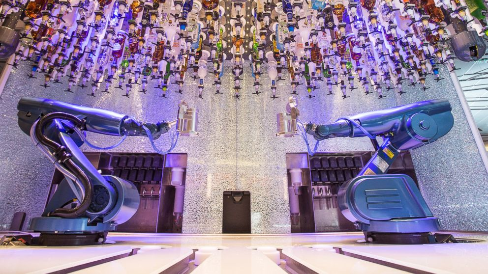 Roboter in der Gastronomie: Cocktail-Mixer auf der Quantum of the Seas