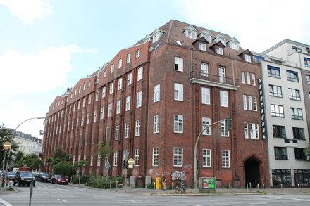 Superbude Hamburg St. Pauli - HOTTELLING by Hospitality Leaders
