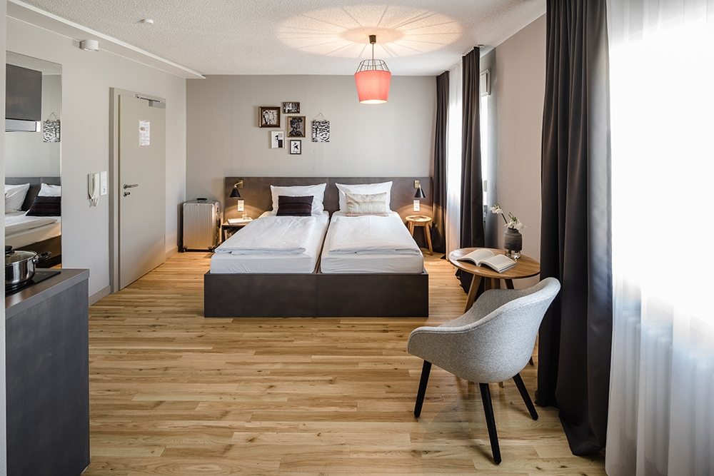 bold hotels er ffnet apartmenthaus in frankfurt am main. Black Bedroom Furniture Sets. Home Design Ideas