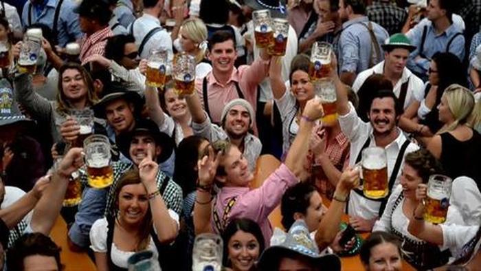 Oktoberfest München - Zuprosten