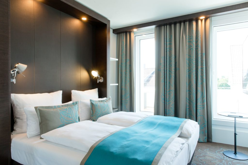 Zimmer im neu eröffneten Motel One Stuttgart Bad Cannstatt