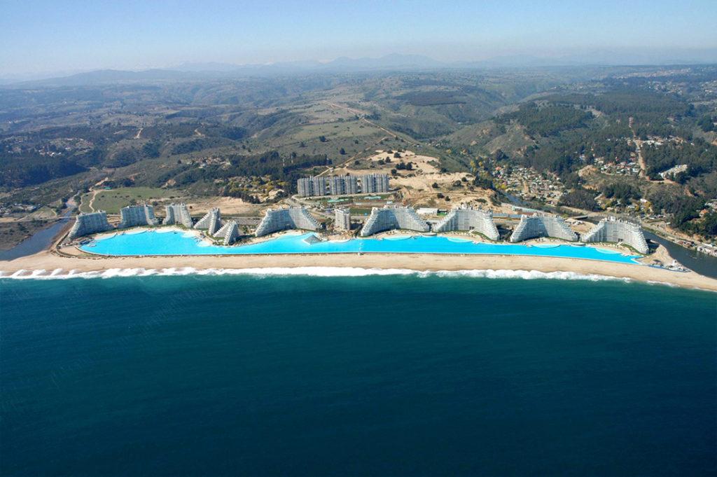 Weltgrößter Hotelpool im San Alfonso del Mar Resort in Chile (Foto: Crystal Lagoon)